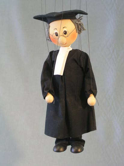 Advokát, dřevěná loutka