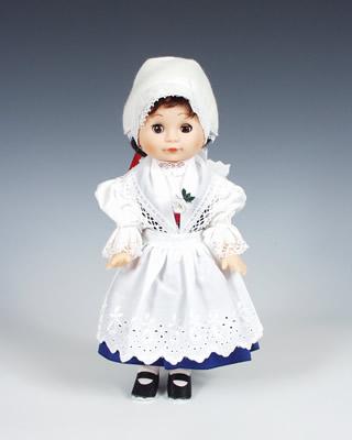 Telč , panenka v národní kroji