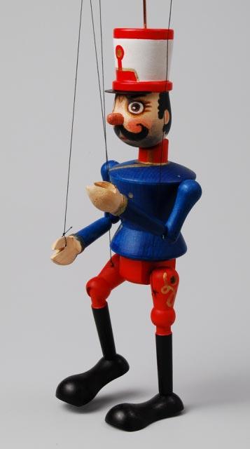 Voják , loutka marioneta