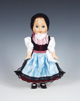 Doudleby panenka v národním kroji