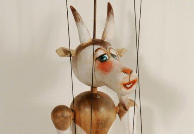 Koza loutka marioneta
