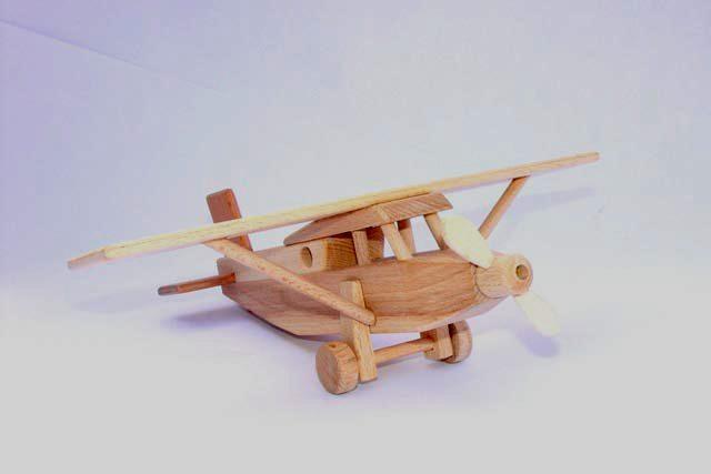 Pilatus dřevěná hračka