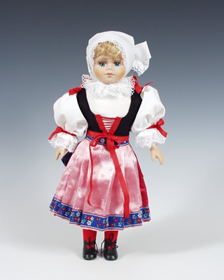 Plzen panenka v národním kroji