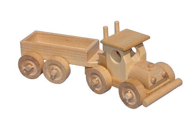 TIR s korbou dřevěná hračka