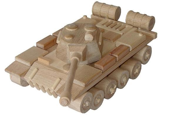 Tank ruský dřevěná hračka