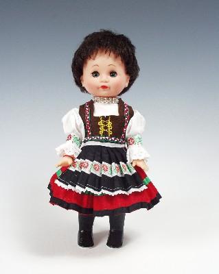 Zempíinčanka panenka v národním kroji