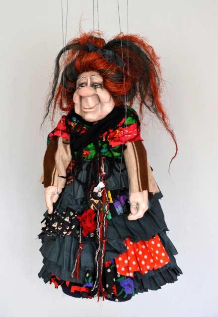Čarodějnice loutka marioneta